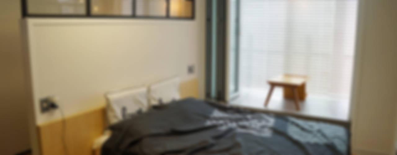 Modern style bedroom by 디자인브리드 Modern