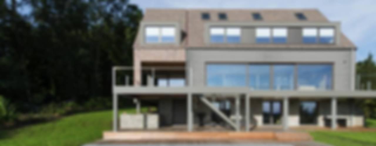 Casas modernas de BURO5 - architectes & associés Moderno