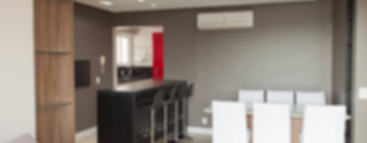 Apartamento MBK Salas de jantar minimalistas por Superstudiob Minimalista