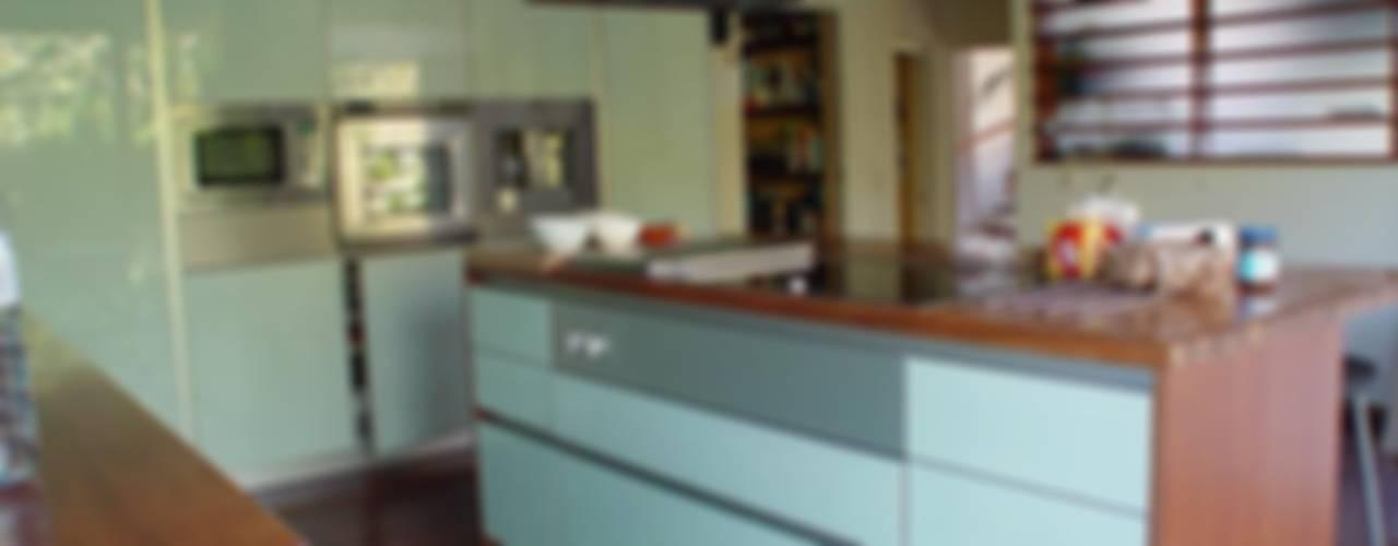 Moradia Foz do Douro Cozinhas ecléticas por Karst, Lda Eclético