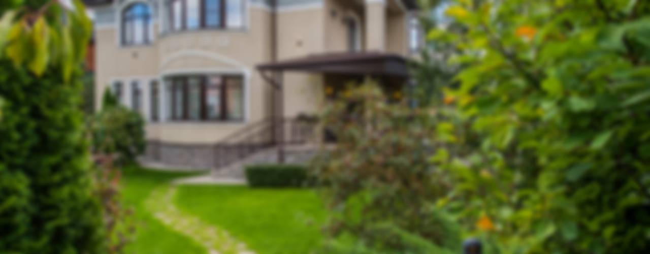Загородный дом для молодой семьи: Дома в . Автор – LUXER DESIGN