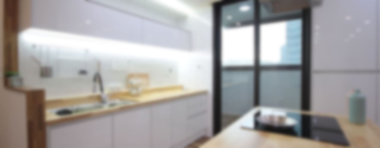동탄아파트인테리어 능동 푸른마을두산위브 33평 인테리어: 디자인스튜디오 레브의  주방,모던