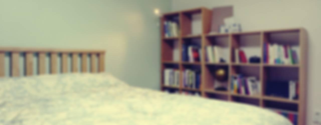 22평 좁은집 신혼집 홈스타일링 : homelatte의  침실,북유럽