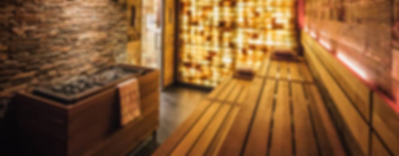 Hoteles de estilo  por corso sauna manufaktur gmbh, Ecléctico