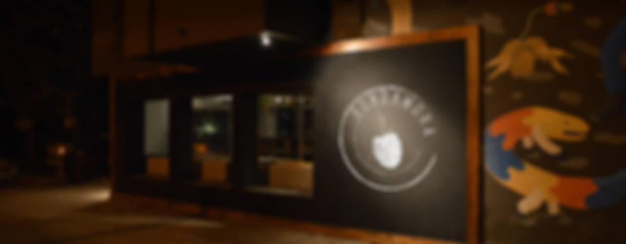 Bares y clubs de estilo ecléctico de PSV Arquitectura y Diseño Ecléctico