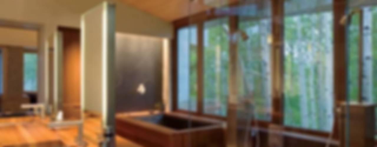 Varios: Baños de estilo clásico por Arkiurbana