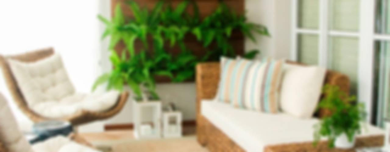 Hiên, sân thượng by Sandro Kawamura Designer de Interiores