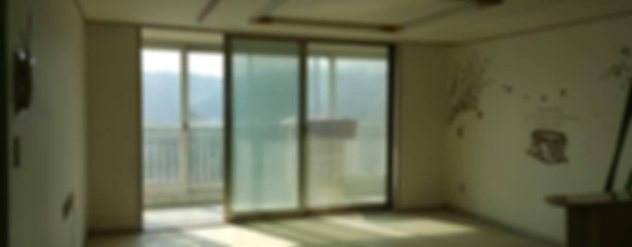 송강동 그린아파트 32평형 before & after : 더홈인테리어의 현대 ,모던