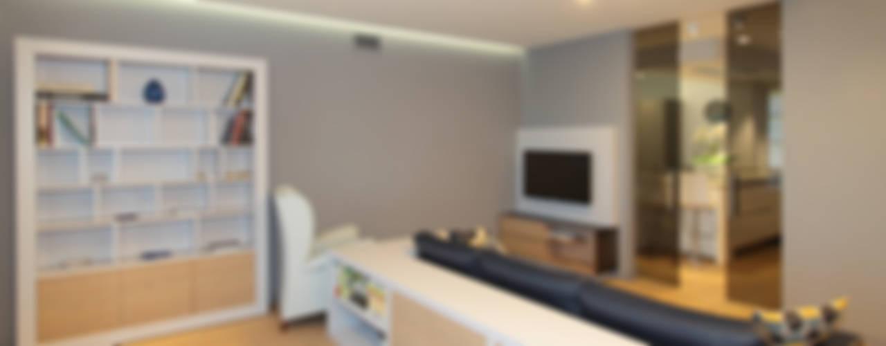 Living room by architetto roberta castelli, Modern