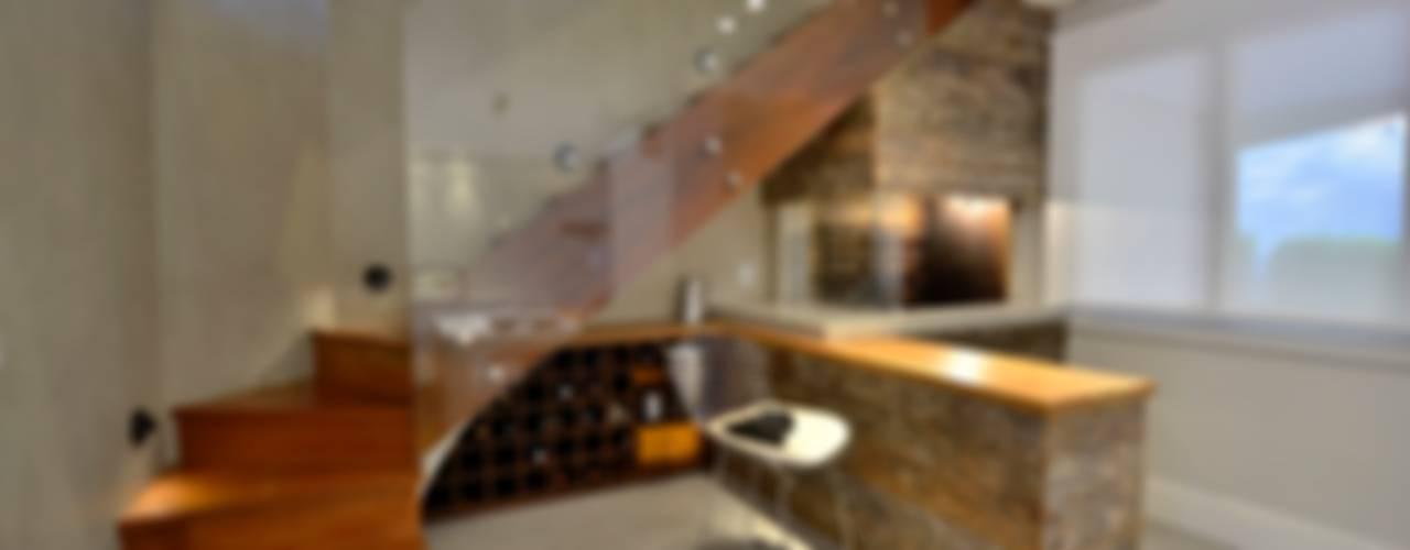 Ingresso, Corridoio & Scale in stile moderno di karen feldman arquitetos associados Moderno