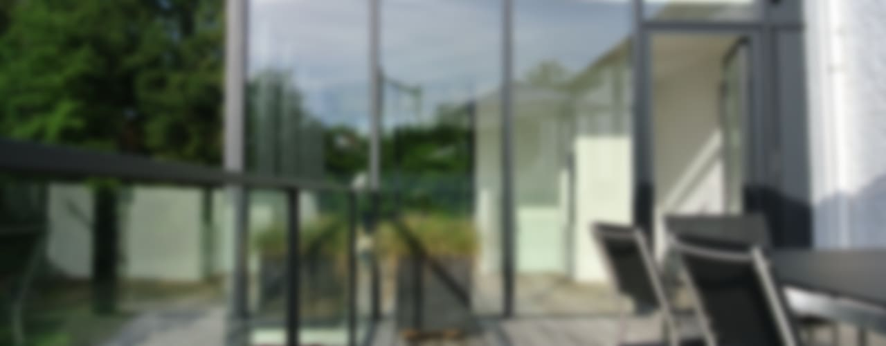 Tour vitrée Balcon, Veranda & Terrasse minimalistes par ARTERRA Minimaliste
