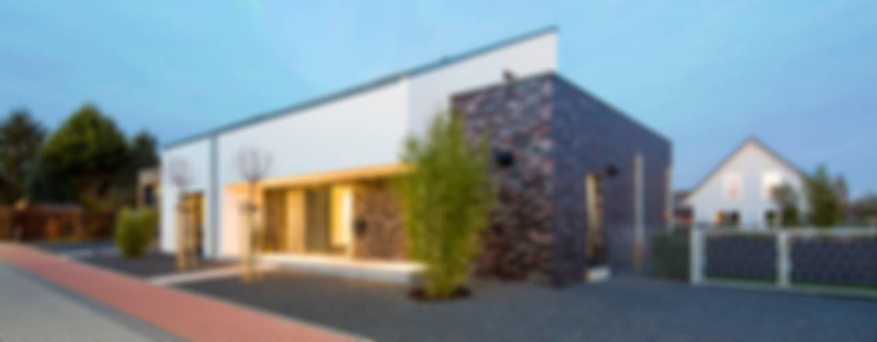 Дома в стиле минимализм от Architektur Jansen Минимализм