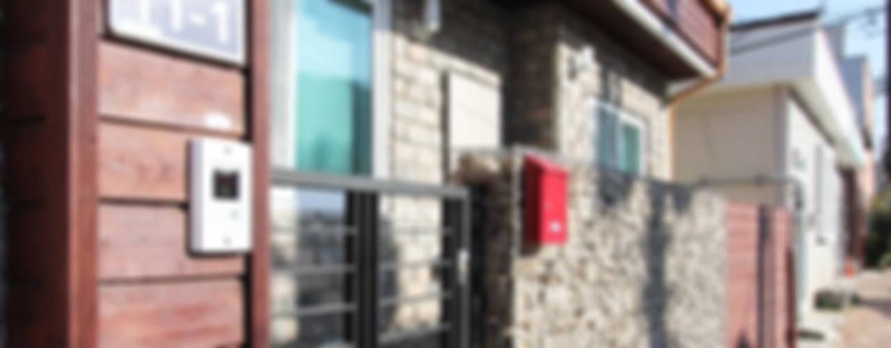 충의동 주택: 핸디디자인 의  주택