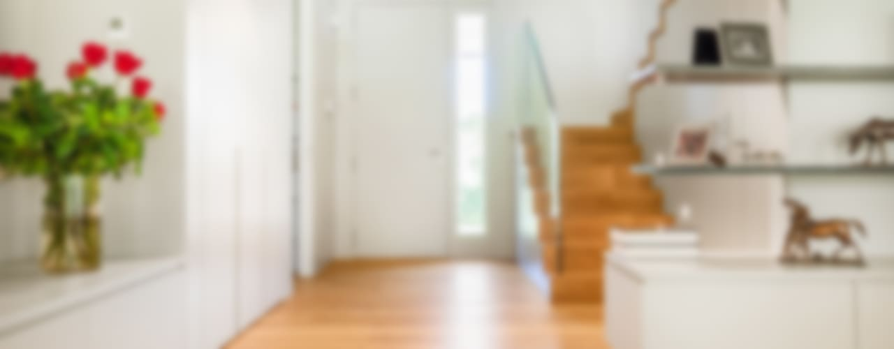Corredores, halls e escadas modernos por Tarimas de Autor Moderno