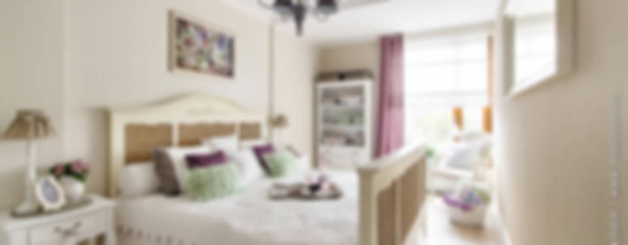 Camera da letto eclettica di DreamHouse.info.pl Eclettico