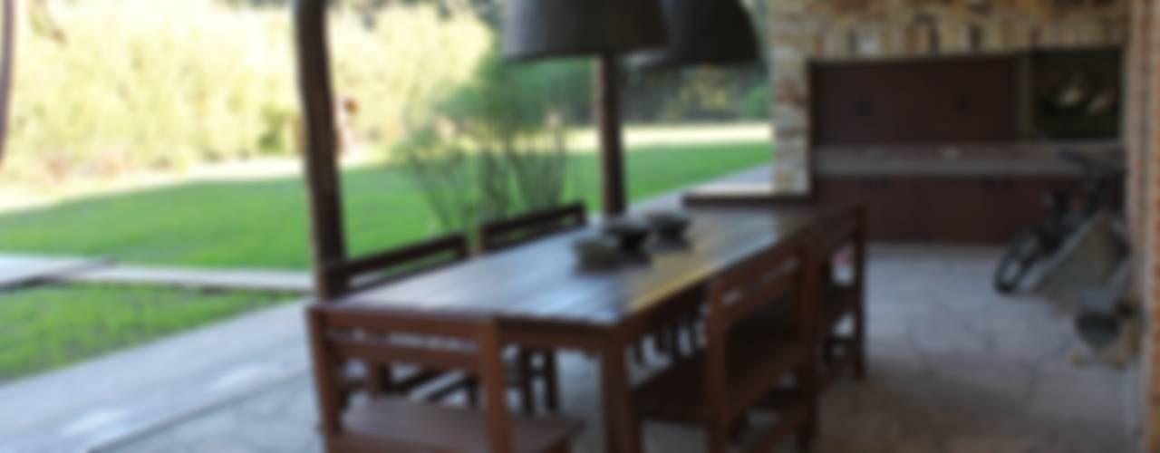 Casa quinta privada: Jardines de estilo moderno por LAS MARIAS casa & jardin
