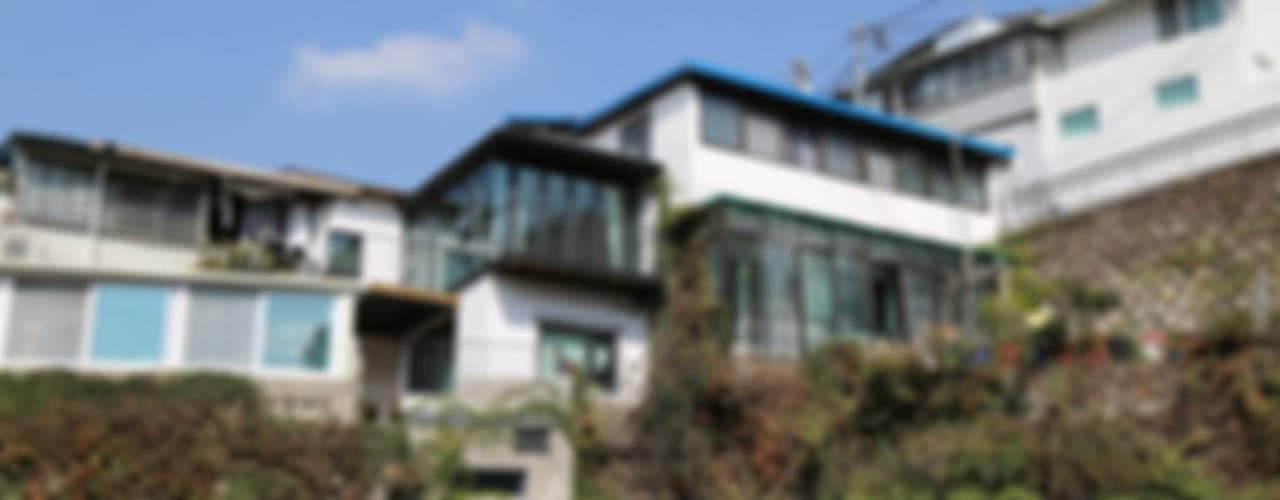 이화동 주택 : IEUNG Architect의  주택
