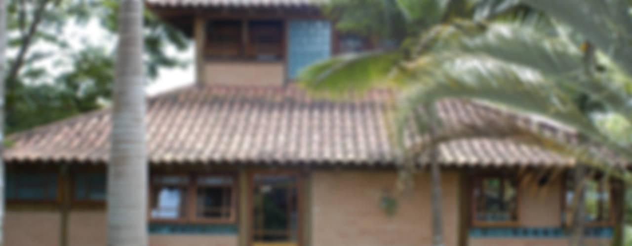 Maisons de style  par MADUEÑO ARQUITETURA & ENGENHARIA
