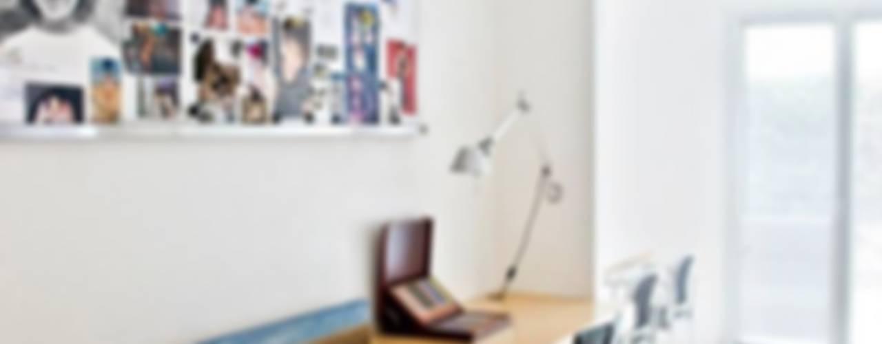 Study/office by Arq. PAULA de ELIA & Asociados, Modern