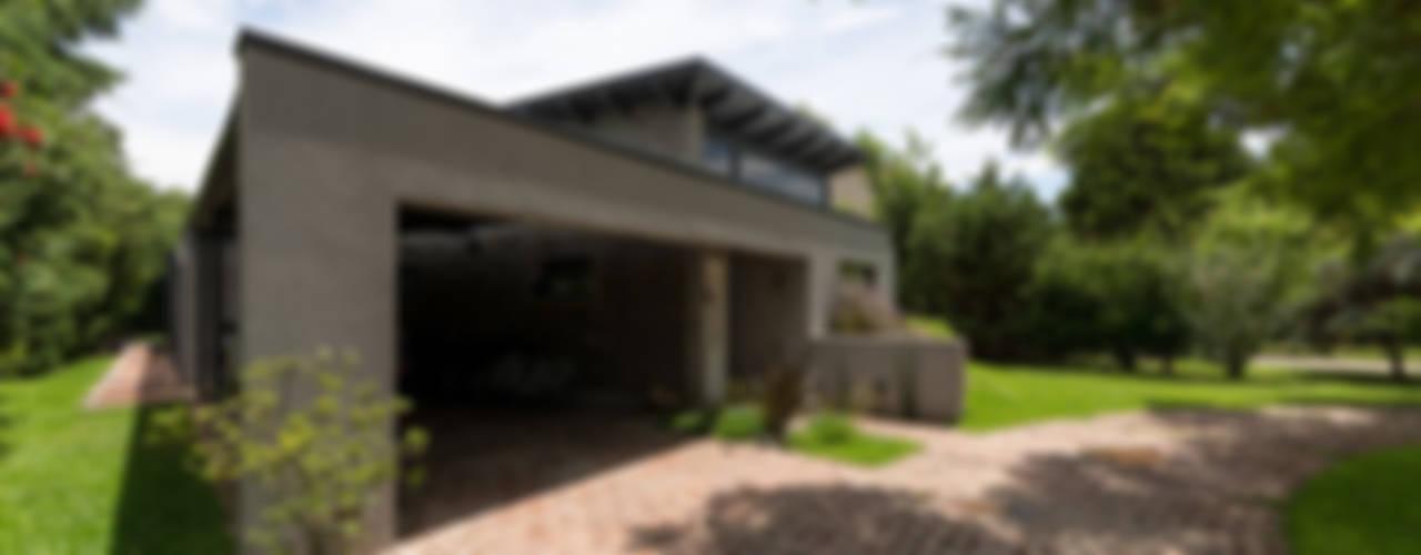 Дома в стиле модерн от ARRILLAGA&PAROLA Модерн