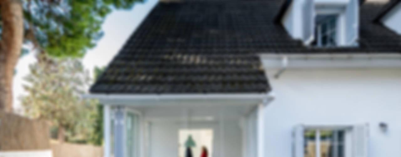 Дома в стиле модерн от 08023 Architects Модерн