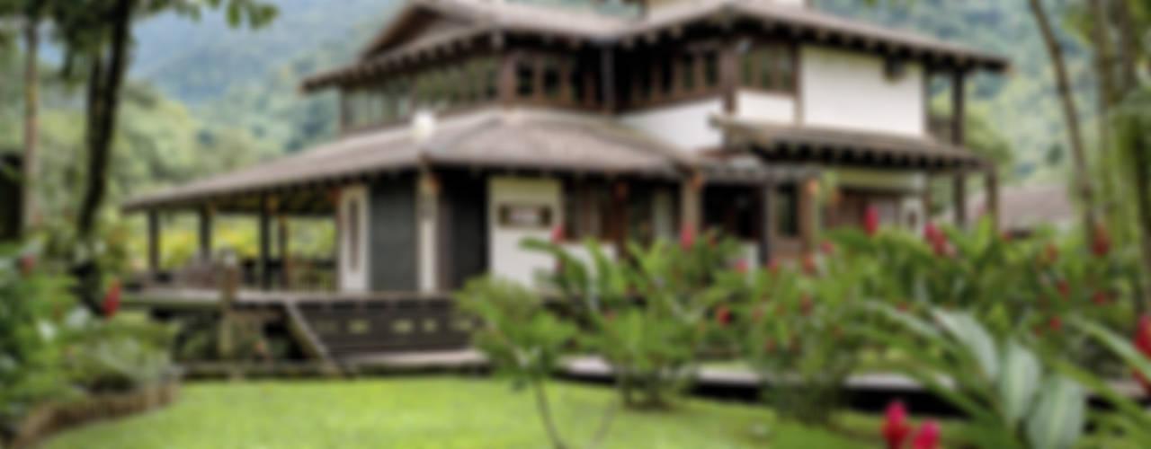 Casas de estilo  por Mellani Fotografias