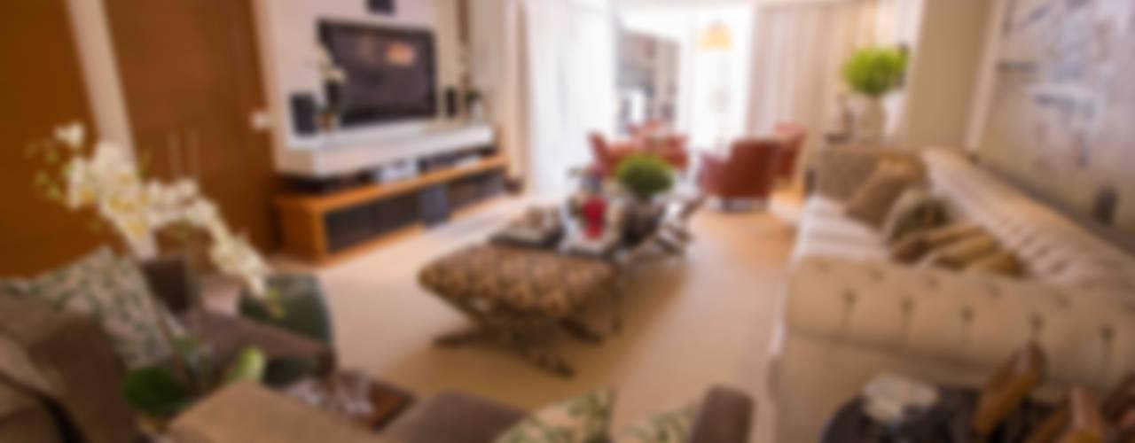 Residência Condomínio South Valley Salas de estar clássicas por Piloni Arquitetura Clássico