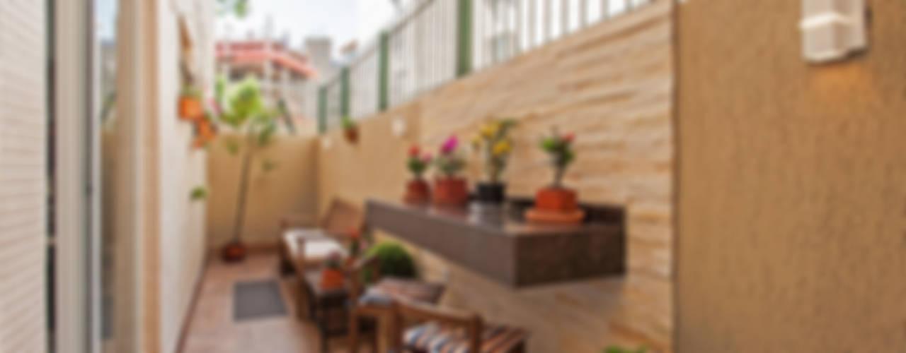 Balcones y terrazas tropicales de Patrícia Azoni Arquitetura + Arte & Design Tropical