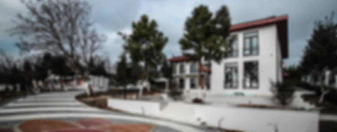 Pimodek Mimari Tasarım - Uygulama – KUMBURGAZ'DA VİLLA:  tarz Bahçe