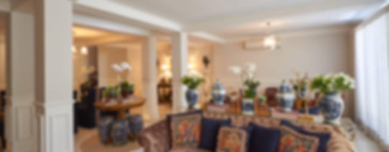 Salones de estilo  de Piloni Arquitetura,