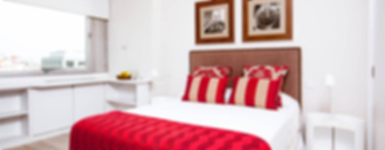 The Sibarist Colón Dormitorios de estilo clásico de The Sibarist Property & Homes Clásico