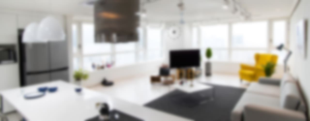 프렌치모던, 취향 저격의 40평 신혼집 인테리어: 로하디자인의  거실