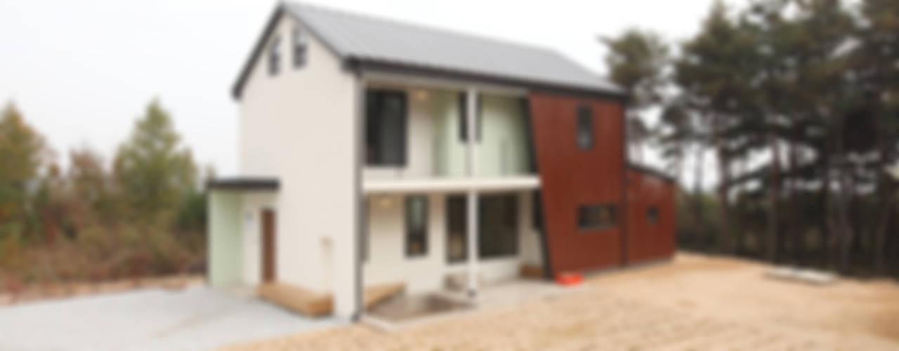남원주택 - 한가족을 구원하는 방주같은 집 모던스타일 주택 by 주택설계전문 디자인그룹 홈스타일토토 모던