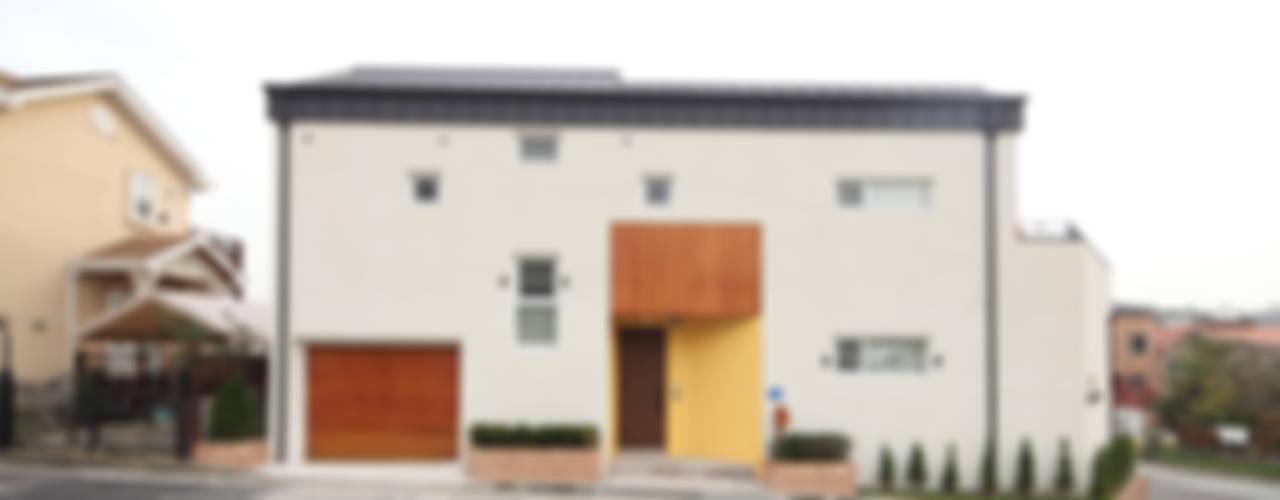 대전 죽동주택 - 도로를 등지고 집을 앉히다: 주택설계전문 디자인그룹 홈스타일토토의  주택,모던