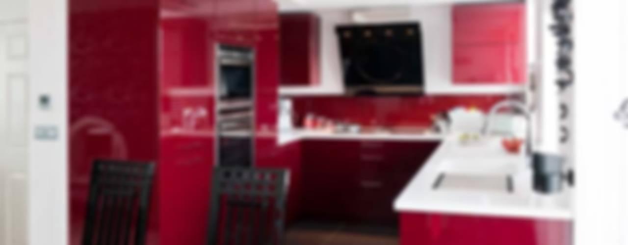 Clough Kitchen Modern kitchen by Diane Berry Kitchens Modern