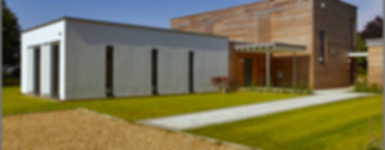 Modern Home Russell Modern Houses by Baufritz (UK) Ltd. Modern