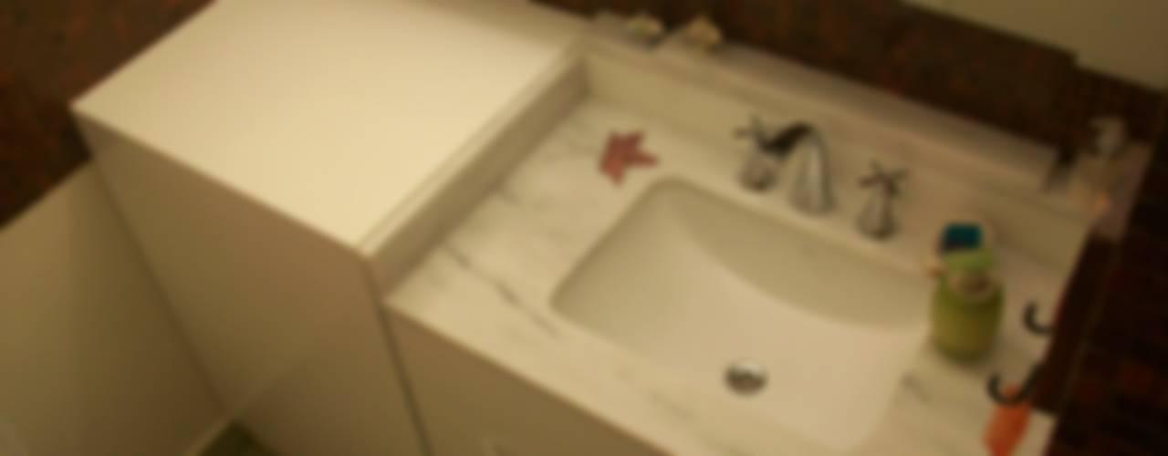 PUEYRREDÓN Baños modernos de taller125 Moderno