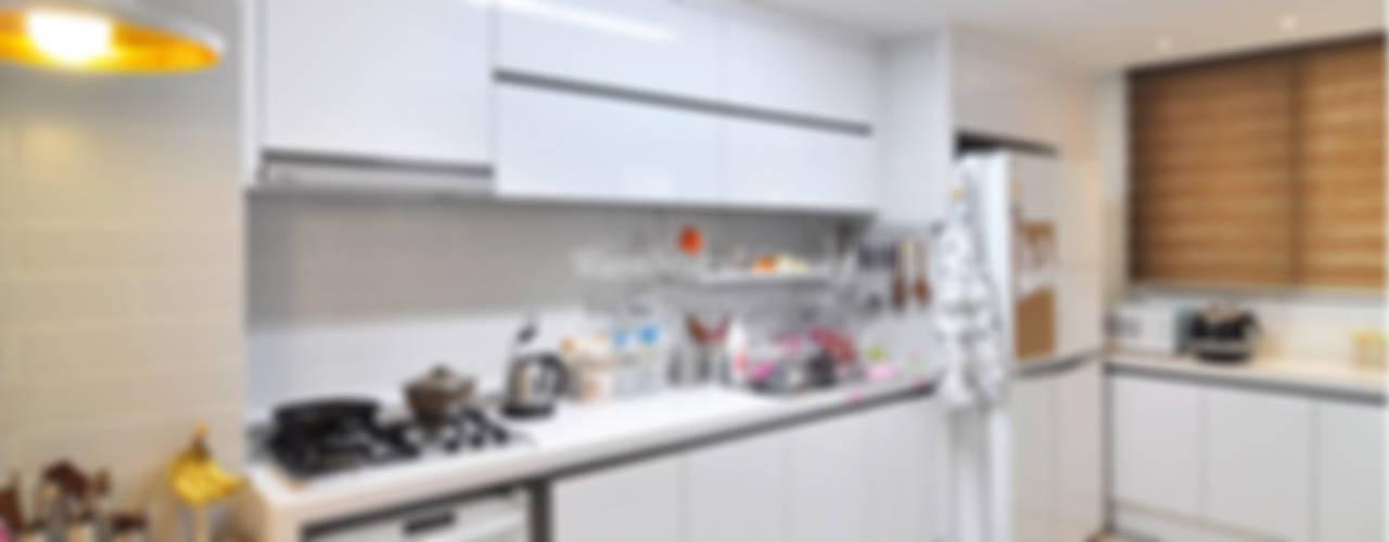 수원 정자동 한라비발디 27평: JMdesign 의  주방,모던