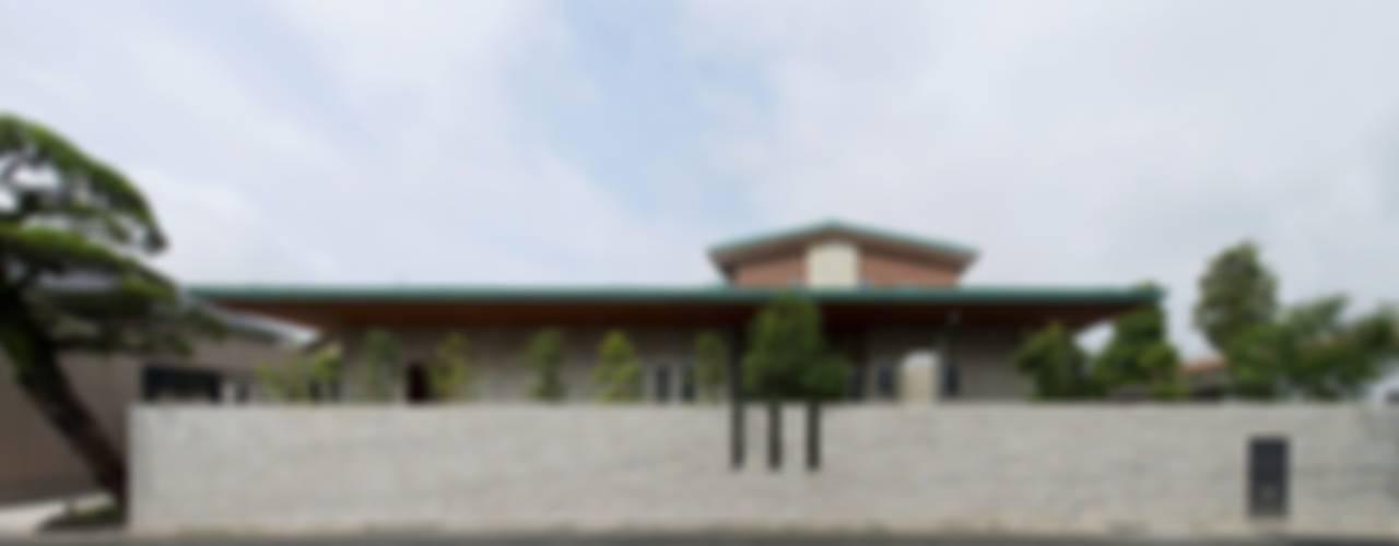 Projekty,  Domy zaprojektowane przez 有限会社 光設計, Rustykalny