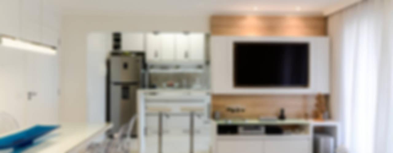 Projeto 70m² Mooca: Salas de jantar  por RAFAEL SARDINHA ARQUITETURA E INTERIORES