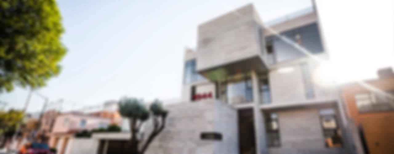 Houses by Miguel de la Torre Arquitectos