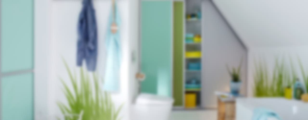 モダンスタイルの お風呂 の Elfa Deutschland GmbH モダン