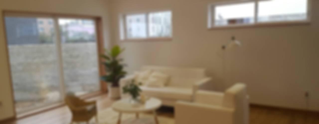 루트주택 32호 : 루트 주택의  거실