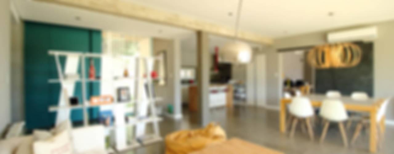 Casa Storni: Livings de estilo  por Queixalós.Trull Arquitectos