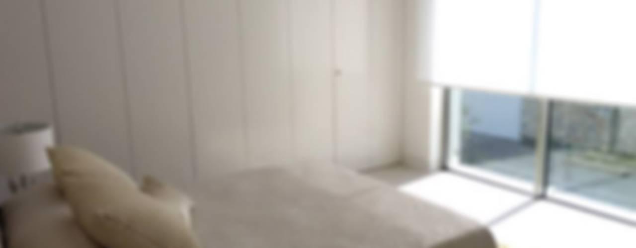 Vivienda Unifamiliar en Colinas Golf, promovida por Marjal GESTIÓN TÉCNICA DE PROYECTOS PROYECTOS Y OBRAS, SL. Dormitorios de estilo clásico