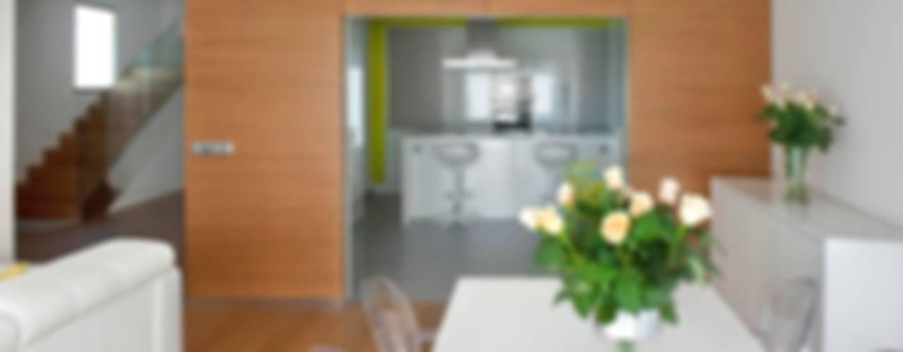 Modern Dining Room by Modesto Crespo Modern