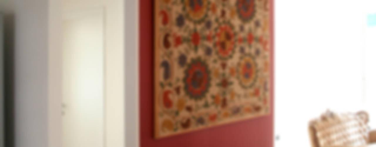 Living room by Atelier delle Verdure