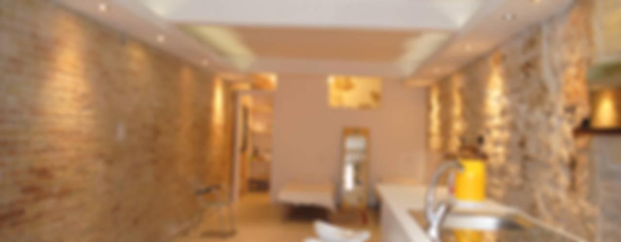 Casa INC Soggiorno minimalista di CARLO CHILLOTTI Minimalista