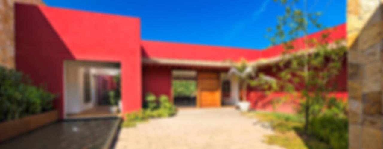 Casas modernas de Lopez Duplan Arquitectos Moderno