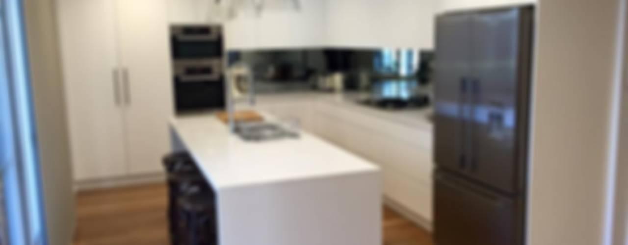 cocinas: Cocinas de estilo clásico por OLKAB CORART